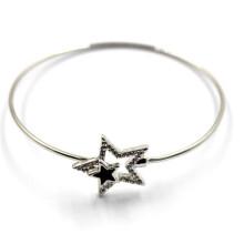 Браслет серебряный провод со звездными пряжками для шарма