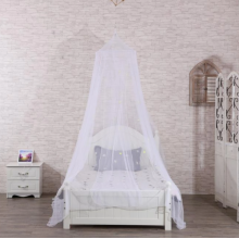 White suspended ceiling mosquito net bedspread