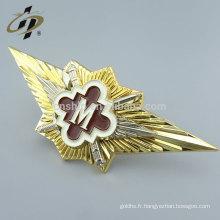 Gros emblème en métal personnalisé avec support de broche