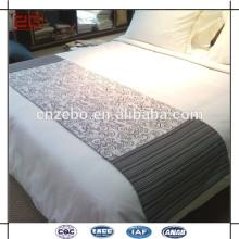 Hotel utilizado lenço cama