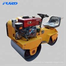 """Rodillo utilitario de motor diesel de agua fría de 1 tonelada con tambores vibratorios en tándem de 700 mm (28 """") (FYL-850S)"""