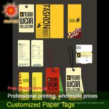 Etiquetas colgantes de papel para la ropa