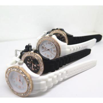 Factory OEM Diamante Montre-bracelet en silicone de charme (HL-CD002)