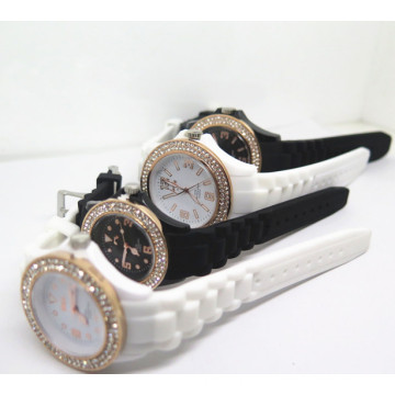 Factory OEM Diamante Charming Silicone Couples Wrist Watch (HL-CD002)