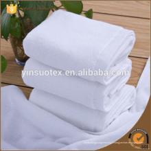 Serviette en coton blanc épais