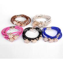 Bracelets en cuir gravé fleur de mode