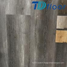 Plancher en plastique composite de PVC de surface de bois de chêne