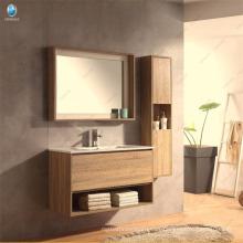 Muebles de baño de madera estilo italiano Madera contrachapada Muebles de baño de tamaño personalizado Espejo Vanidad