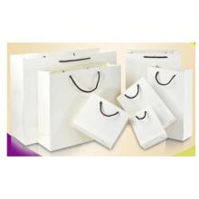 Sacola de papel promocional para presentes, sacolas de papel para compras de roupas.