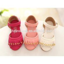 Летние плоские сандалии для девочек с кисточкой и велкро-ремешком для девочек оптом сандалии