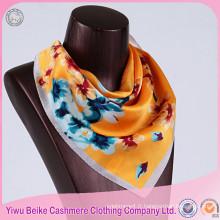 Écharpe en soie de dames de qualité adaptée aux besoins du client de mode dans beaucoup de style