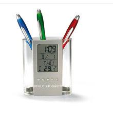Transparente Kunststoff-Stifthalter mit Kalender