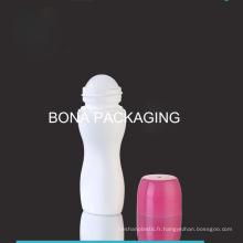 Bouteille en plastique de vente chaude avec le roulement en plastique sur la boule