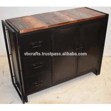 Buffet industriel en métal avec buffet en bois recyclé