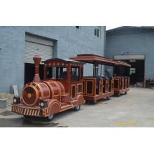 Электрический старинный безрельсовый поезд