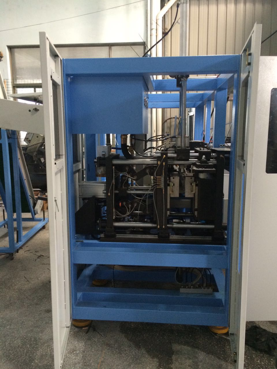 Water Bottle Molding Machine