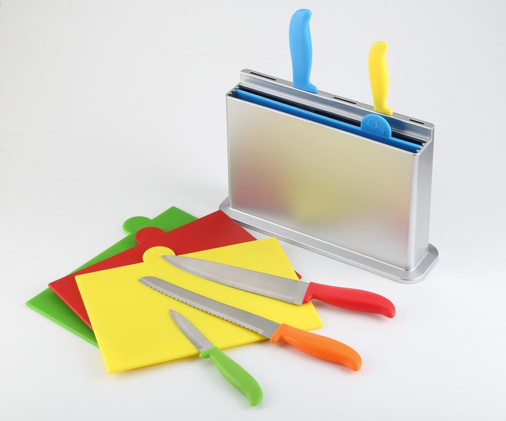Assorted Color Knife and Boards