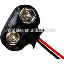 Mecanografíe los terminales electrónicos de los conectores rápidos de batería de los juguetes 9V de T con el alambre