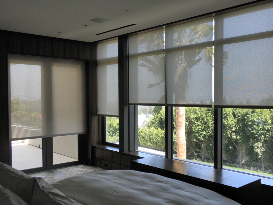 Sun block roller blinds