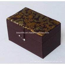 Подарочная коробка из картона высокого качества ручной работы