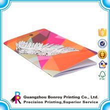 China Fabrik maßgeschneiderte Größe Design billige Schule A4 Hardcover Schulhefte