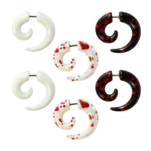 Motif de logo de Splatter de sang acrylique UV Faux Piercing oreille Spiral