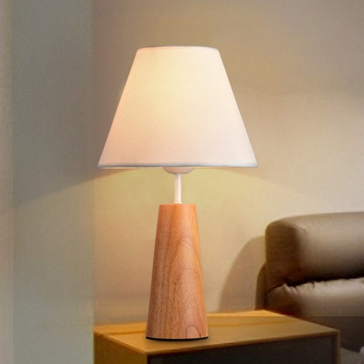 Applicant Stable Table Lamp