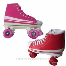2017 Novo design conduziu rodas piscantes Roller Skates para atacado