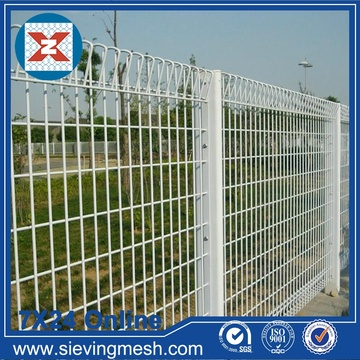 Wire Mesh Welded Coated PVC Putih