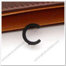 Lettres métalliques décoratives C