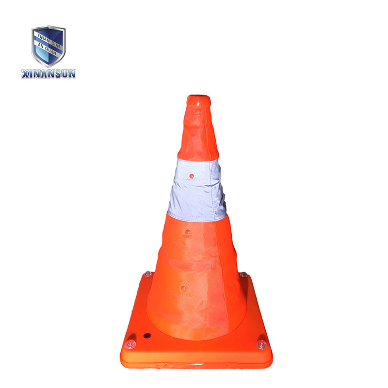 USB rechargeable telescopic road cone