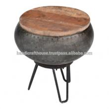 Cubierta industrial de metal y madera redonda con mesa lateral de almacenamiento