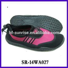 Zapatos calientes impermeables calientes nuevos calzan la caminata de los zapatos de la prueba del agua en los zapatos del agua