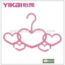 Fuction maravilhoso criativo amor-coração plástico cachecol cabide de roupas em novo estilo