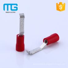 Posicione os terminais de crimpagem com isolamento de lábios com isolamento de nylon