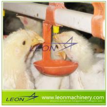 Sistema de bebedouro automático série LEON com doseador para granjas avícolas