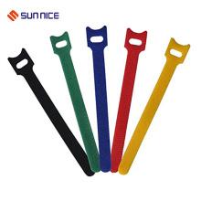 Soportes para cables fuertemente soportables con gancho y lazo
