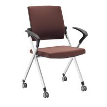 Stapelbarer Mobilitätsstuhl aus Stoff für Besprechungs- oder Konferenzraum