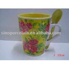 Tambor especial de cerámica flor taza de bebida con cuchara para BS93087