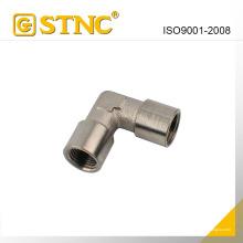 Neumático transición accesorios (conector hembra codo Diada))