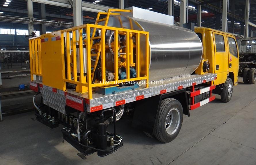 bitumen sprayer engine 3