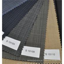 Braune Farbe Wolle und Polyester Mischung Kavallerie Stoff Uni-Gewebe für formalen Anzug Gewicht 270g / m