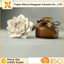 Бутылка духов высокого качества с керамической крышкой цветка