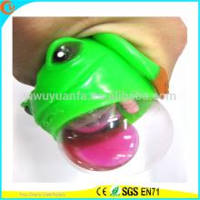 Juguete vendedor caliente de la bola del agua de la rana de la novedad TPR LED
