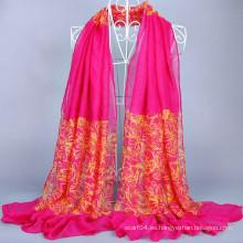 Hijab modelo barato con línea de flores