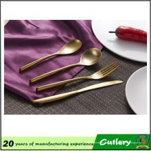 Juego de cubiertos plateado oro caliente del acero inoxidable de 4PCS