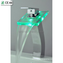 High Body Color Water Tap Mixer LED Basin Faucet (QH0815HF)