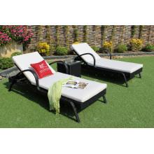 Chaise longue en poly rotin pour jardin extérieur