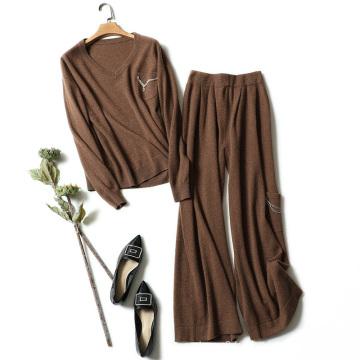 Femmes chandail et pantalon ensembles pull en tricot de cachemire col V perles perles de décoration ensembles de chandail de couleur caramel