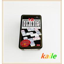Doppel zwölf Plastik Domino in der Blechdose